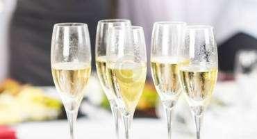 Planning a Wedding Menu Can Be Daunting
